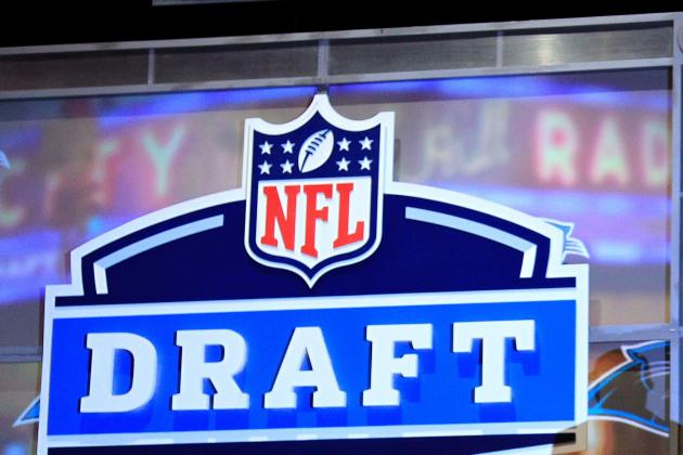 Chicago Bears: Day 1 of Free Agency and a Mock Draft