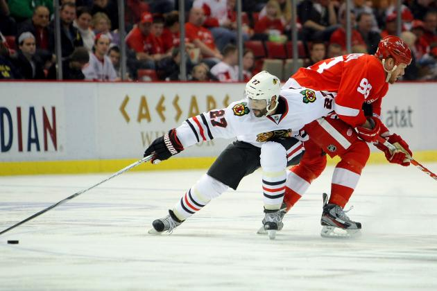 Chicago Blackhawks: 5 Reasons Johnny Oduya Will Help in the Playoffs