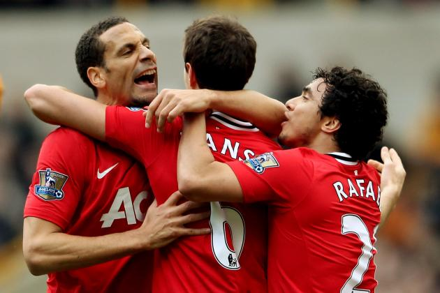 Manchester United: 10 Reasons the Red Devils Won't Fall from Atop Standings