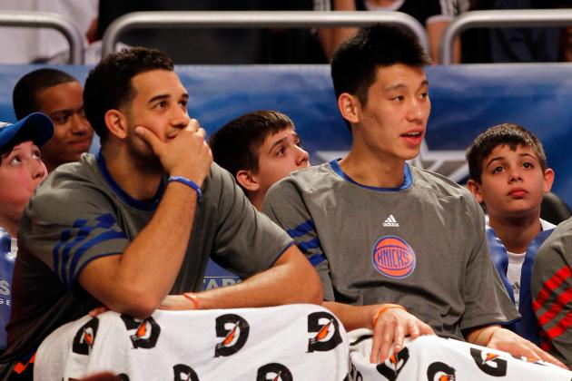 New York Knicks' Jeremy Lin and Landry Fields Breakdown Handshake in Video