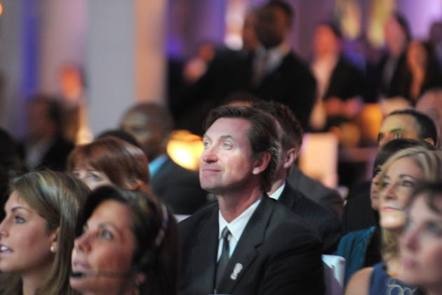 Wayne Gretzky and Hockey Players Who Look Nothing Like It