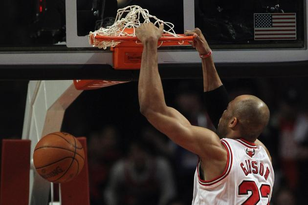 Chicago Bulls: Comparing Taj Gibson and Omer Asik