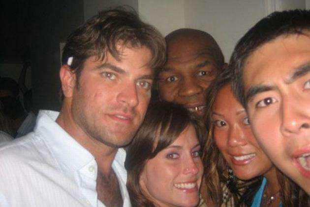 Funniest 'Photobombs' in Sports