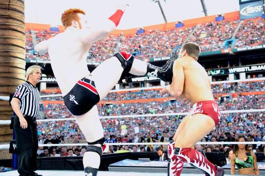 WWE's 10 Most Ineffective Current Finishers and How They Should Be Replaced