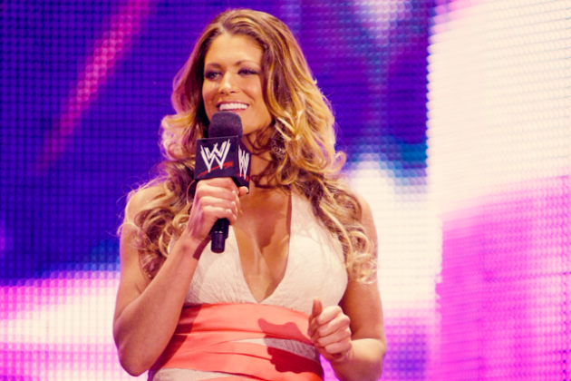 WWE: 5 Reasons Why Eve Torres Would Make a Better GM Than John Laurinaitis