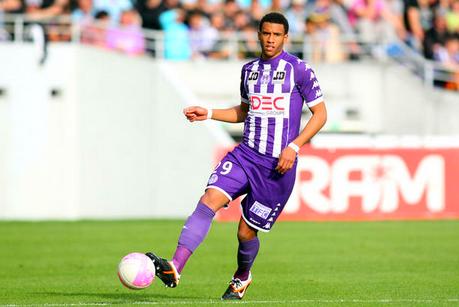 Arsenal Transfer News: Comparing Etienne Capoue to Yann M'Vila