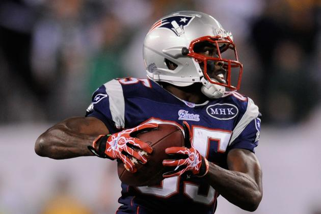 10 Players Fighting for Their NFL Careers in 2012 Training Camps