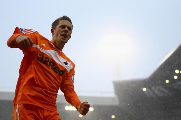 Liverpool FC: 4 Reasons Brendan Rodgers Should Sign Midfielder Gylfi Sigurdsson
