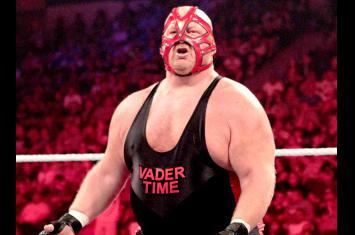 WWE Raw: 9 Legends Who Should Appear Leading Up to and on the 1,000th Show