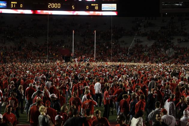 College Football Rankings: 10 Worst Stadiums for Away Fans to Visit