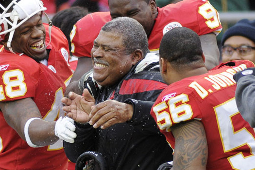5 Reasons Why Romeo Crennel Will Make Fans Forget His Failed Time in Cleveland
