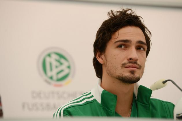 FC Barcelona: Why Vilanova Should've Pushed to Sign Mats Hummels This Summer