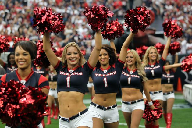 7 Best-Looking Rookie Cheerleaders from Around the NFL