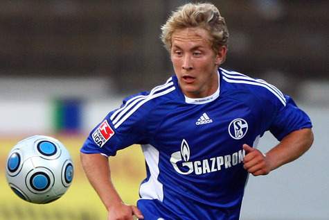 Arsenal Transfers: 5 Reasons Lewis Holtby Would Be Walcott's Best Replacement