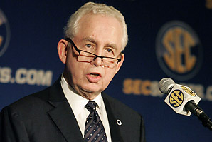 Top 10 Burning Questions on SEC Commissioner Mike Slive's Agenda