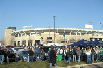 College Football 2012: Reviewing the Dos and Don'ts of Tailgating Before Kickoff