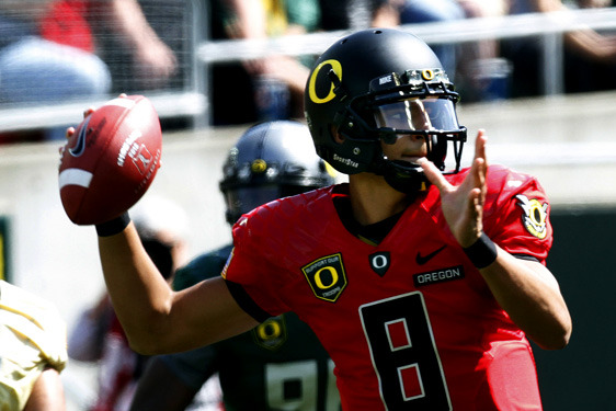 Oregon Football: Why Chip Kelly Should Not Use a Two-QB System