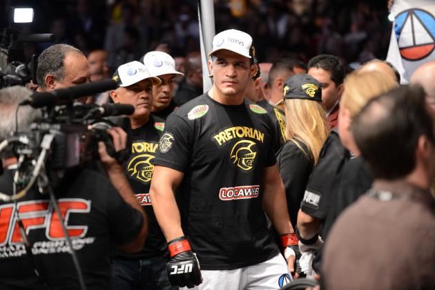 Breaking Down the Strengths and Weaknesses of the Top Heavyweights in MMA