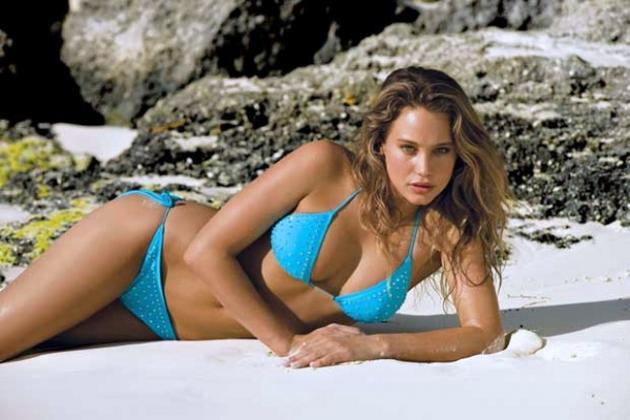 Derek Jeter's Girlfriend: 10 Pictures of Possible New Squeeze Hannah Davis
