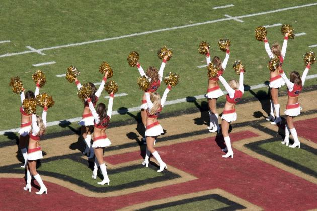 San Francisco 49ers: 5 Reasons You Need to Catch a Game at Candlestick in 2012