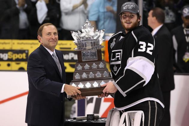 LA Kings: 4 Reasons There's a Crazy Amount of Pressure on Jonathan Quick