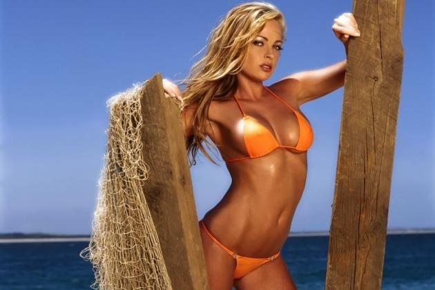 Previewing the Best NFL Cheerleader Calendars