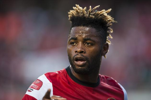 Arsenal Transfer News: 4 Reasons Why Alex Song Must Stay at Arsenal