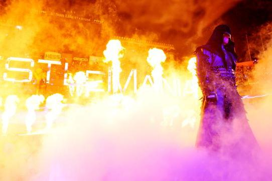 WWE: 5 Reasons WrestleMania Should Be a 2-Day Event