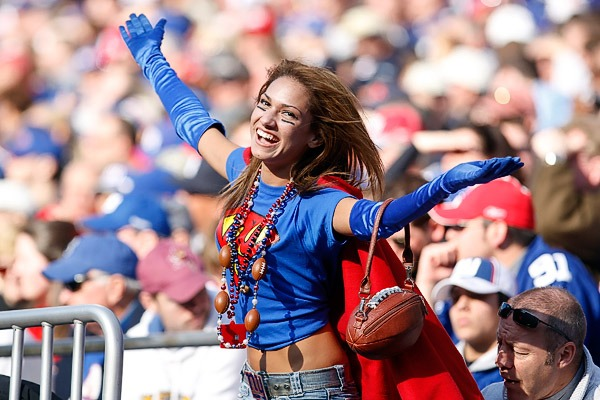 NFL: Power Ranking the Hottest NFL Fanbases