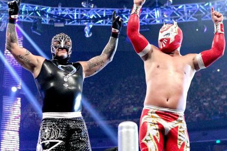 WWE: 7 Reasons Why Rey Mysterio vs. Sin Cara Is Inevitable