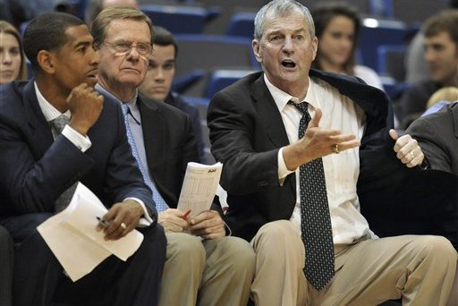 Ollie Replaces Calhoun at UConn: How 10 Other Famous Coaches' Successors Fared