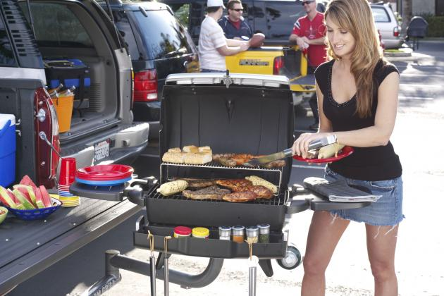 The 25 Hottest Tailgating Pictures in College Football