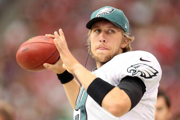 Breaking Down How Nick Foles Would Fit the Offense as Michael Vick's Replacement