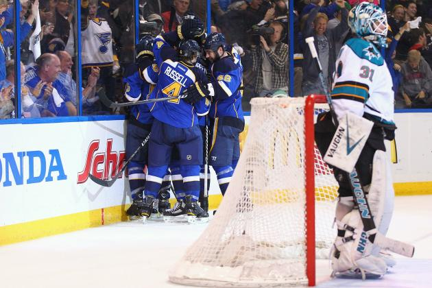 San Jose Sharks: 5 Reasons 2012-13 Is Antti Niemi's Last Chance