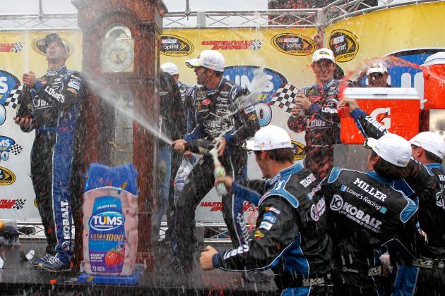 NASCAR: 6 Reasons Not to Bet Against Jimmie Johnson Winning the Chase
