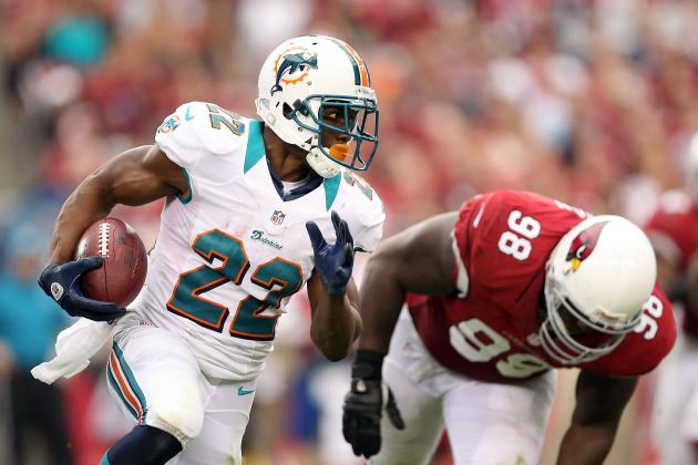Miami Dolphins: 3 Ways Reggie Bush Will Exploit the Titans' Uninspiring Defense