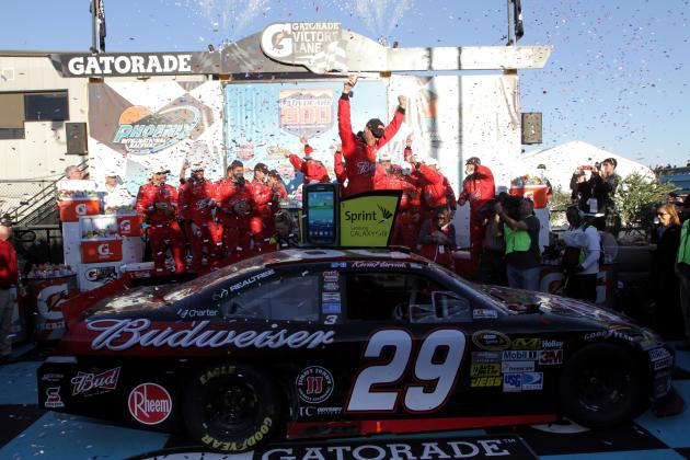 NASCAR Sprint Cup at Phoenix: 5 Reasons Kevin Harvick Pulled out a Victory