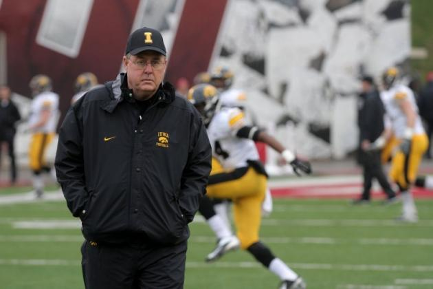 The Iowa Offense Under Greg Davis: What Went Wrong and Can It Be Fixed?