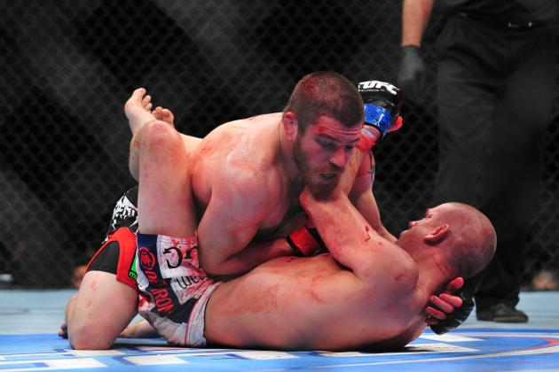 Bonuses for UFC's Best KO, Submission and Fight of December