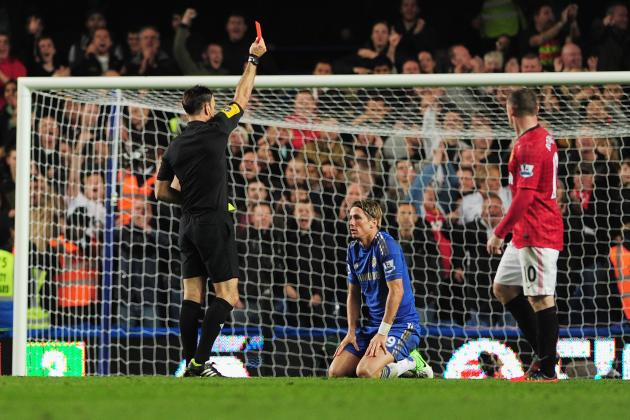 Manchester United: 5 Reasons to Believe Referees Favor Manchester United