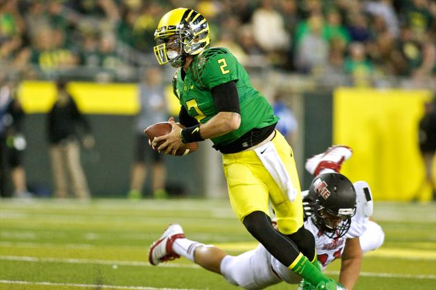 Oregon Football: 3 Reasons Why Bryan Bennett Needs a Position Change