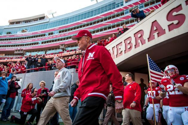 Nebraska Football: 5 Things Bo Pelini Can Learn from Tom Osborne's Offense