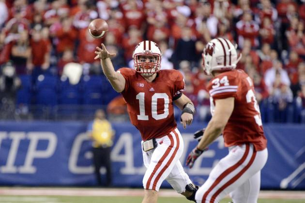 Wisconsin Football: Way Too Early Odds on Starting Quarterback