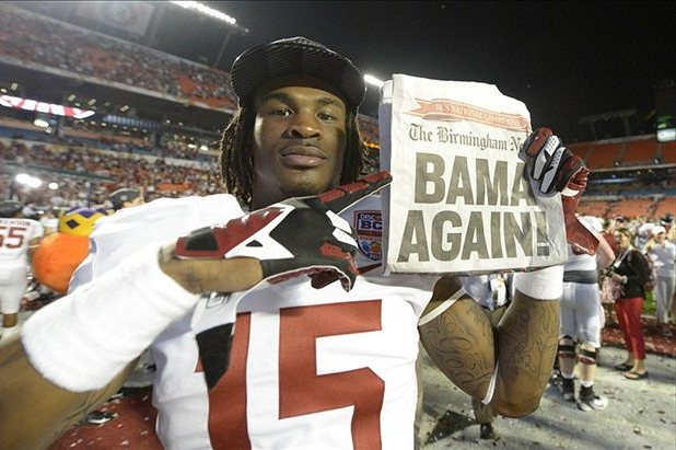 5 Ways College Football Programs Can Limit Exposure to Player Scandal