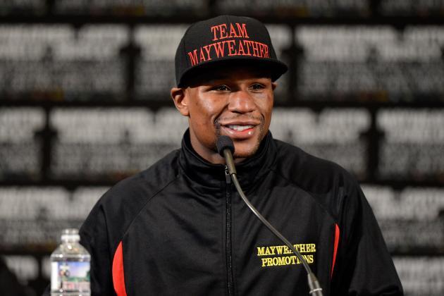 5 Reasons Floyd Mayweather Is Making a Mistake Fighting Robert Guerrero