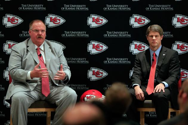 What Are Experts Saying the Chiefs Should Do with the No. 1 Overall Pick?