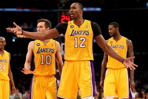 What Dwight Howard Must Do to Propel L.A. Lakers to NBA Playoffs