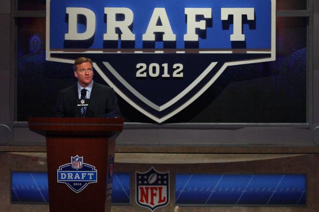 Who Are the Experts Predicting to Dallas Cowboys in First Round of the NFL Draft