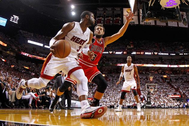 NBA Injury Report: Updates on Dwyane Wade's Knee, Stephen Curry's Ankle, More