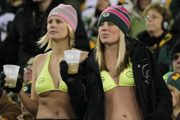 20 Sports Fans Who Really Know How to Get on TV